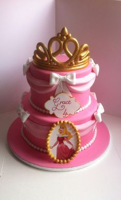 Sleeping beauty themed cake with handmade sugar tiara #disney #aurora #sleepingbeauty #disneyprincess