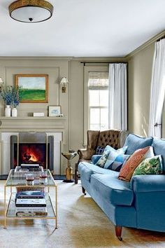 Are you considering painting your walls and matching the trim? Paint your wall and the trim white for a simple, elegant option. Keep reading and learn eight examples to use as inspiration to prove that you can paint the walls and trim in your home the same color—Hadley Court Interior Design blog.