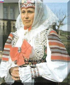FolkCostume&Embroidery: Search results for warsaw Shaman Woman, Bridal Headdress, Folk Clothing, Folk Embroidery, Folk Costume, Historical Costume, These Girls, Costumes For Women, Traditional Outfits