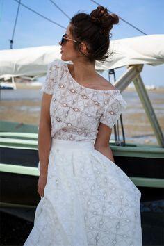 Les robes de mariée de Marie Laporte - Collection 2016 - Paris   Modèle: Aggie   Crédits: Marie Laporte   Donne-moi ta main - Blog mariage