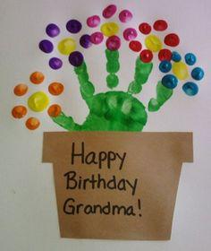 diy birthday gifts for mom from kids handabdruck bilder frische geschenkideen fr oma Birthday Gifts For Grandma, Homemade Birthday Cards, Birthday Cards For Mom, Diy Birthday, Happy Birthday Crafts, Card Birthday, Kids Crafts, Baby Crafts, Toddler Crafts