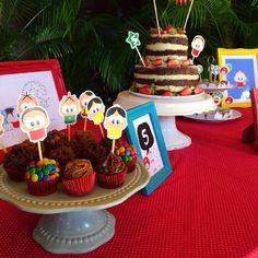 Festinha da Turma da Mônica com nosso naked, mini cupcakes e docinhos. Num ficou fofo? ♡ Bom dia, gente! :*