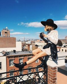 Pin = @zozzza Style Outfits, Cute Outfits, Fashion Outfits, Fashion Ideas, Looks Street Style, Leather Chelsea Boots, Poses, Look Fashion, Passion For Fashion