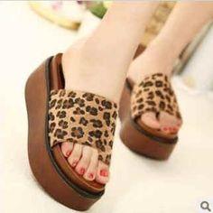 รองเท้าแฟชั่น สไตล์เกาหลี สวยเท่ห์ เก๋ ไม่ซ้ำแบบใคร มีลายละ 1คู่เท่านั้น