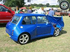 There's a Wide Arched Wednesday Mini and then there's a WIDE ARCH WEDNESDAY MINI!  I do believe this bonkers beauty falls into the latter pronunciation... lol