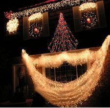 Ideeën om buiten ramen voor de kerst te versieren