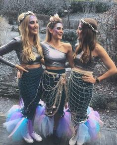 Meerjungfrau Kostüm selber machen – Make mermaid costume yourself ✓ For carnival & carnival ✓ Maritime & sexy ✓ Accessories & the best make-up videos for the perfect disguise! Mermaid K Mermaid Halloween Costumes, Carnival Costumes, Halloween Cosplay, Diy Costumes, Costumes For Women, Cosplay Costumes, Mermaid Costume Makeup, Sea Witch Costume, Homemade Mermaid Costumes