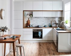 A modern take on a Scandi inspired kitchen, this beauty is brought to life with our hazelnut benchtops, mayonella splashback and meringue… Kitchen Styling, Kitchen Decor, Kitchen Design, Kitchen Ideas, Kitchen Inspiration, Diy Kitchen, Kitchen Benchtops, Kitchen Cabinetry, Splashback