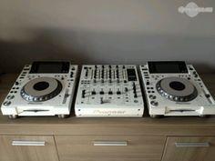 Pioneer CDJ 2000 (x2) + Pioneer DJM 2000 :3