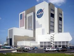 El presupuesto de la agencia espacial estadounidense se ha ido recortando, y a pesar de ello las encuestas revelan que muchos norteamericanos creen que el 25% del presupuesto federal se destina a la NASA. Sin embargo, la verdad es que la financiación que recibirá la agencia en 2015 supondrá solo un 0,5% del presupuesto estadounidense, lo cual no deja de ser triste si pensamos que la exploración del espacio es uno de los proyectos más ambiciosos y apasionantes de los que ha emprendido la…