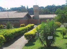http://www.passosmgonline.com/index.php/2014-01-22-23-07-47/geral/2270-escolas-de-passos-e-regiao-recebem-materiais