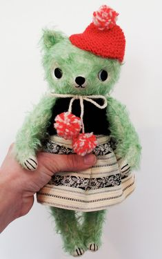 Peppermint Bear by foxandowl on Etsy - would love to try this on my own style doll!!!