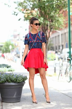NYFW Day 2: Skirt: Top Shop / Blouse: Asos / Bag: Valentino / Shoes: Jimmy Choo / Glasses: G-Star @Camilacfcoelho