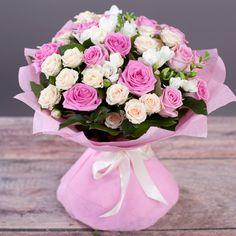 Фото: Букеты с розами - Букет «С Днем Рождения» (средний)