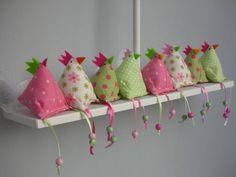 Hoe dierbaar is dit! Hobbies And Crafts, Diy And Crafts, Crafts For Kids, Arts And Crafts, Easter Projects, Easter Crafts, Projects To Try, Felt Crafts, Fabric Crafts