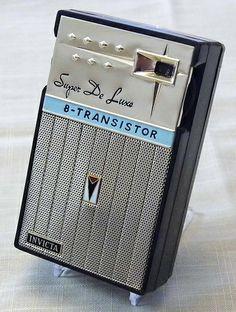 Vintage Invicta 8-Transistor AM Radio, Model T-888, Made In Japan.