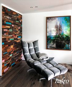 STÄRKE: 20 mm FORMAT: 700 x 200 mm AUFBAU: 9 mm Sperrholzträger #hafroedleholzböden #parkett #böden #gutsboden #landhausdiele #bödenindividuellwiesie #vinyl #teakwall #treppen #holz #nachhaltigkeit #inspiration Teak, 9 Mm, Vinyl, Eames, Lounge, Chair, Inspiration, Furniture, Home Decor