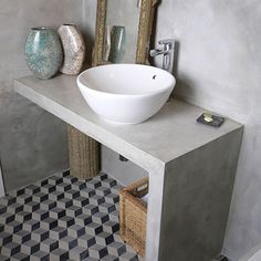 Interior design of a bathroom can either be made in the same style with the rest of the house design, or radically different from it. Bad Inspiration, Bathroom Inspiration, Small Bathroom, Master Bathroom, Mirror Bathroom, Bathroom Ideas, Ideas Baños, Ideas Para, Concrete Bathroom