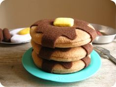 My daughter Lucy would love these to play with.  She is a pancake enthusiast!