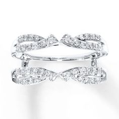 THIS IS IT! Matched with the solitaire ring it's perfect!