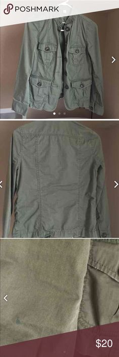 Banana republic Good used has a small blue mark on sleeve. Not bad and not going to be noticeable when worn. Refer to all pics prior to purchase Banana Republic Jackets & Coats Utility Jackets
