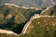 Kiinan muuri on Kiinan tunneteumpia matkailunähtävyyksiä ja yksi maailman seitsemästä ihmeestä. Suurin ihmisen luoma rakennelma lumoaa tuhansittain vierailijoita joka päivä. #TheGreatWall #China #Badaling #Kiinanmuuri #Kiina