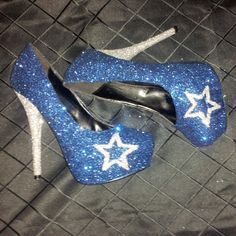 Dallas Cowboys Custom Gl... ummm hubby knows what he needs to get me now... someone show him this asap!