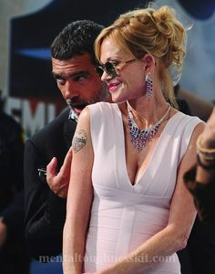 pretty Actress Melanie Richards Griffith celebrity Hairstyles Received a Golden Globe nomination for her performance in the successful TV movie Buffalo Girls Golden Globe Nominations, Melanie Griffith, Prettiest Actresses, Golden Globes, Celebrity Hairstyles, Buffalo, Movie Tv, Fashion Beauty, Couples