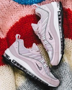 Release Date : May 10, 2018 Nike Air Max 98 « Barely Rose » Credit : Rezet Store