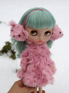 Blythe pink coat and ear muffs!  Don't you just love winter.