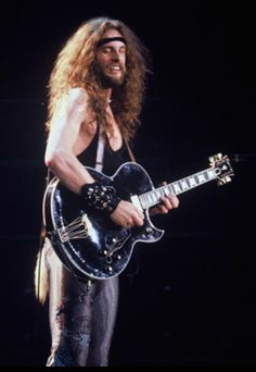 Terrible Ted rippin out a lead solo