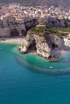 Tropea, Kalabrien, Italien - Bilderest - Flight, Travel Destinations and Travel Ideas Vacation Places, Italy Vacation, Dream Vacations, Vacation Spots, Italy Travel, Places To Travel, Places To See, Travel Destinations, Travel Tips