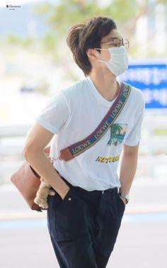 fy-exo - 50 results for 180706 Kpop Fashion, Korean Fashion, Mens Fashion, Fashion Outfits, Airport Fashion, Baekhyun, Exo Kai, Chen, Exo Korean