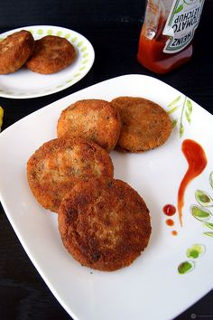 "My recipe, ""Vegetable Cutlet"", a quick, easy and delicious Indian snack. Samosas, Puff and Cutlet are the top 3 of my favorite Indian snacks and I would love to have them anytime and more so with my evening cup of tea. Indian Snacks, Indian Food Recipes, Vegan Recipes, Snack Recipes, Cooking Recipes, Tasty Indian Recipe, Recipe Tasty, Fish Recipes, Appetizer Recipes"