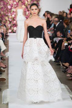 Oscar de la Renta at New York Fashion Week Spring 2015 - Runway Photos