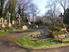 East Highgate Cemetery