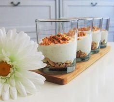 Citromos, vaníliás túrókrém diós kekszmorzsával és mogyoróval - Eddi konyhája