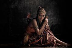 :: A Broken Srikandi :: by ~dewanggapratama Photography / Conceptual©2011-2013 ~dewanggapratama