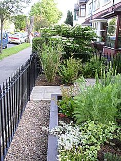 Image of Suzie Nichols' Small Front Garden Design. The garden was built by the clients.