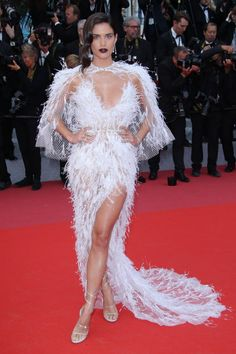 "Sara Sampaio wears Ralph & Russo gown at the red carpet for the ""Solo: A Star Wars Story"" Red Carpet at the Cannes Film Festival, Celebrity Photos, Celebrity Style, Music Festival Fashion, Online Photo Gallery, Ralph And Russo, Sara Sampaio, Victoria Secret Angels, International Film Festival, Cannes Film Festival"