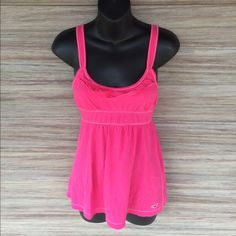 ❤️️DELETING IN 1 HOUR❤️Hollister hot pink tank Has cute ruffle on front. 100% cotton Hollister Tops Tank Tops