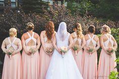 Photo de mariage #bridesmaids #mariage #mariages #nature #bff #friends #womens #weddinghair #weddingdress #bridesmaidsdress #inspowedding #flowers Bridesmaids, Bridesmaid Dresses, Wedding Dresses, Bff, Wedding Hairstyles, Friends, Nature, Flowers, Women