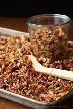 Paleo Granola - how can something so healthy be so. If you think you have a favorite granola recipe, this one will take you by surprise. It's delicious, super filling and EASY to throw togethe(Paleo Pumpkin Granola) Weight Watcher Desserts, Healthy Snacks, Healthy Eating, Healthy Recipes, Healthy Granola Recipe, Keto Granola, Grain Free Granola, Paleo Food, Healthy Foods