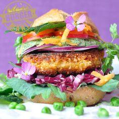 Wilder Gartenburger von den Bloggerin Jule und Evy  #craftyneighboursclub #Burger #Mania #Aktion #Brötchen #Coppenrathundwiese #Mehrkornbrötchen
