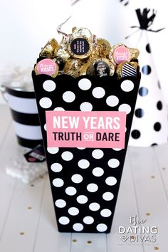 New Years Eve Truth or Dare Game! So cute! New Years Eve Truth or Dare Game! So cute! New Years Eve Kiss, New Years Eve Games, New Year's Eve Celebrations, New Year Celebration, Truth Or Dare Games, New Year's Games, Diy Games, Nye Party, New Years Decorations