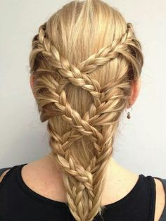 how did they get them to overlap differently each time unless there were two people braiding at once? Mystery.