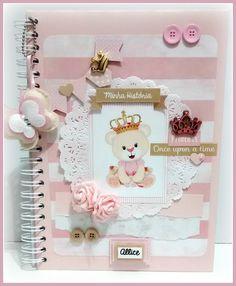 Scrapbook Bebe, Scrapbook Sketches, Scrapbook Page Layouts, Scrapbook Albums, Sketch Paper, Girl Cartoon, Scrapbooks, Baby Photos, Paper Crafts