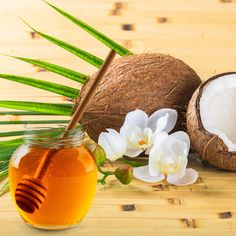 Make coconut oil mask against dry skin yourself – recipe & instructions - Dıy Beauty Hacks IDeen Maybelline, Diy Beauty, Beauty Hacks, How To Make Your Own Recipe, Facial Cream, Recipe Instructions, Needful Things, Skin So Soft, Coconut Oil