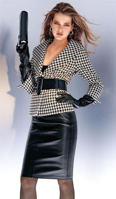 Black Leather Pencil Skirt Houndstooth Blazer with Black Leather Belt Black Leather Gloves and Sheer Black Pantyhose Black Leather Pencil Skirt, Leather Skirt, Black Pencil, White Fashion, Leather Fashion, Pencil Skirts, Mode Style, Fashion Outfits, Womens Fashion
