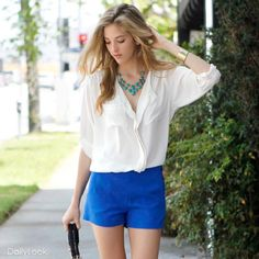 nice outfit with royal blue shorts and white shirt! And i love that necklace. Blue Shorts Outfit, Cobalt Blue Shorts, Bright Shorts, Short Outfits, Summer Outfits, Summertime Outfits, Summer Wear, Spring Summer, Blue Dresses